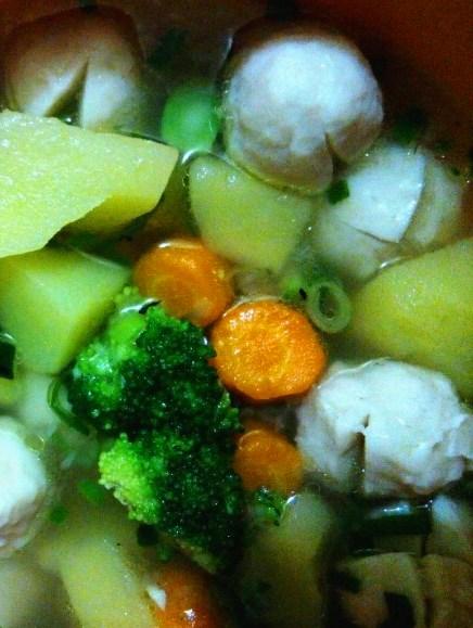 Resep Sup Brokoli Baso Ikan Nikmat