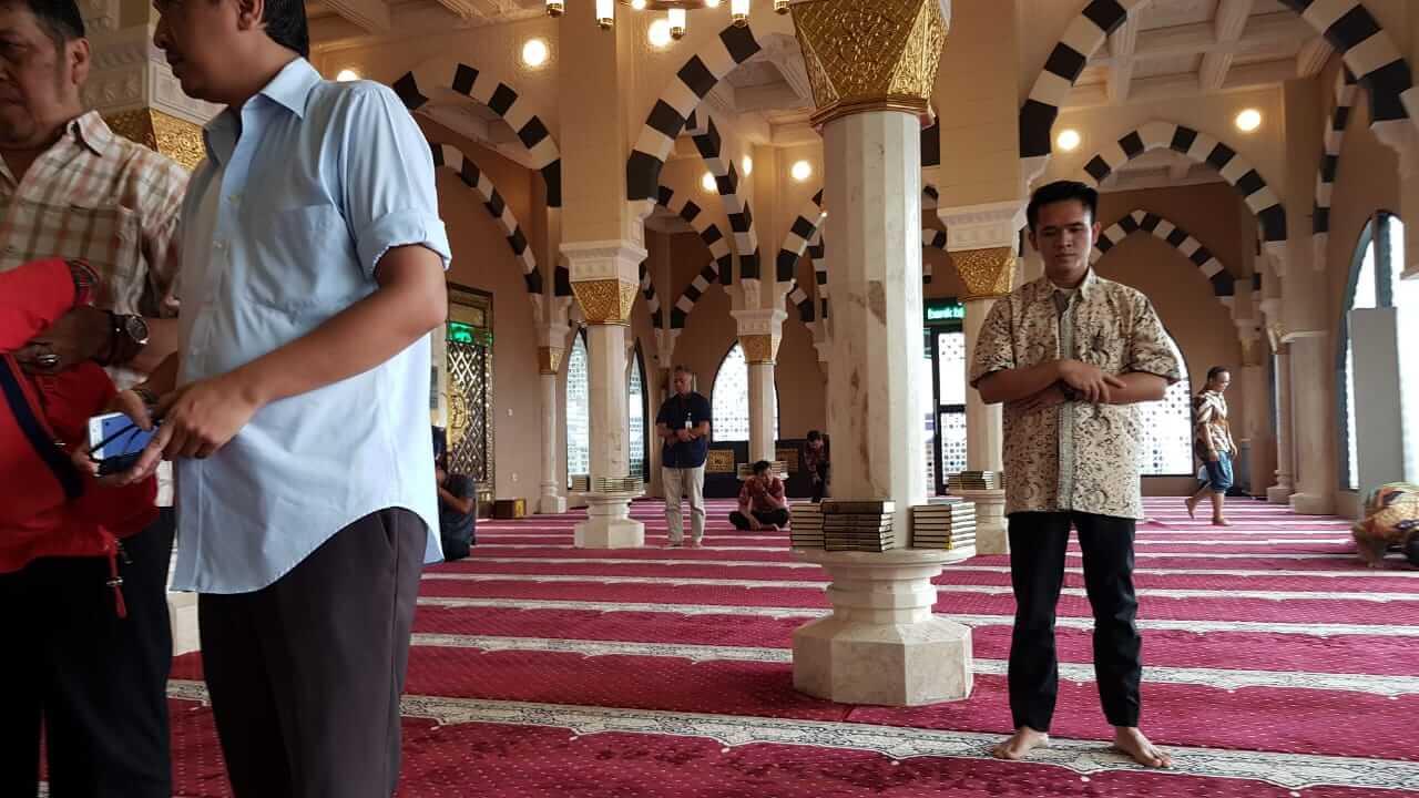 Masjid Baitul Mughni BJB Bandung mengikuti masjid Nabawi Madinah
