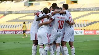 Flamengo  memso com 11 desfalques  vence na Libertadores