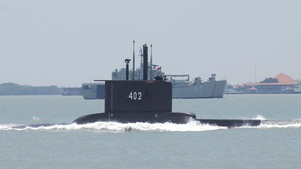 Kapal Selam RI Nanggala-402 Diduga Jatuh di Kedalaman 700 Meter