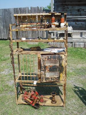 Barn chic antiques 2013 austin junk salvation show - Craigslist little rock farm and garden ...