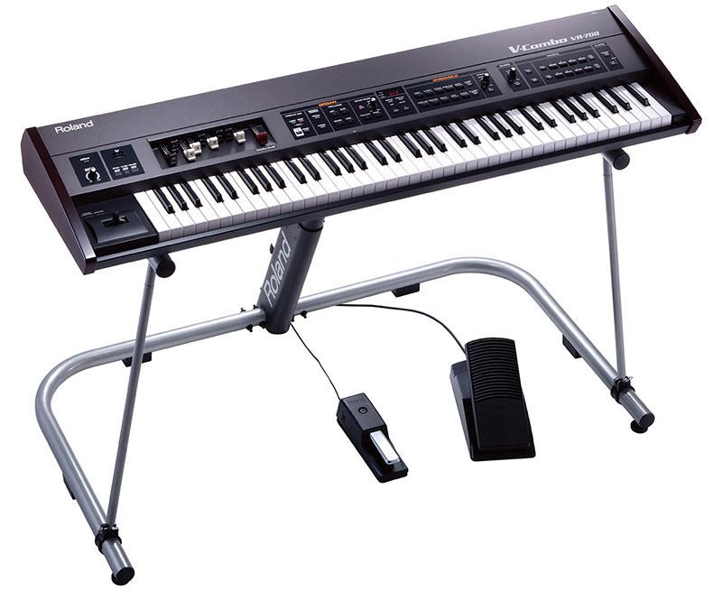 organ Roland VR-700