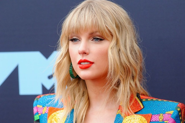 Taylor Swift Bra Size, Measurement, Bio, Age, Height, Weight And Age