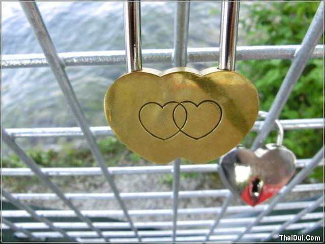 ảnh ổ khóa hình trái tim đẹp