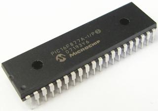 Microcontroladores PIC o Arduino.