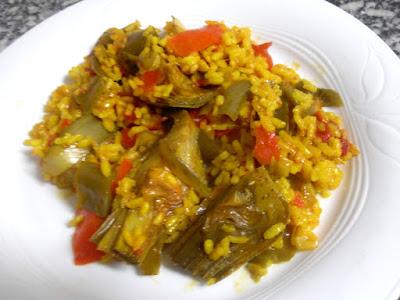 Arroz con verduras al curry.