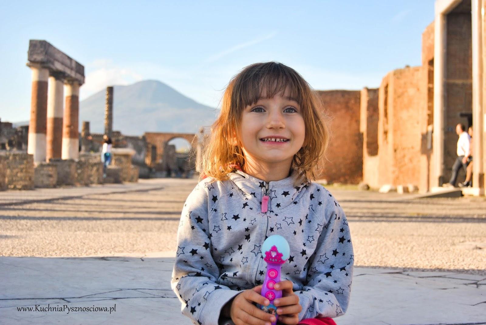 Neapol, czyli stolica pizzy z dzieckiem, co zwiedzać i jak przeżyć w tłumie turystów