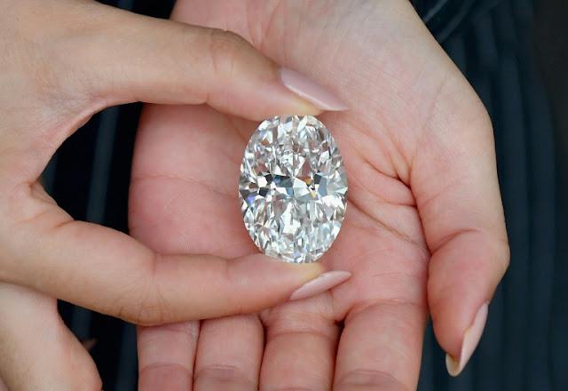 Viên kim cương đẹp nhất thế giới