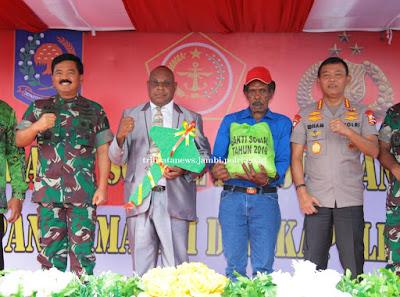 Kegiatan Bakti Sosial Kesehatan Dan Ibadah Kebaktian Turut Dihadiri Oleh Kapolri Dan Panglima TNI