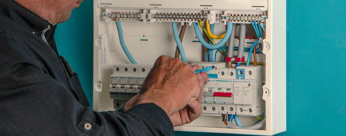 Αλλαγη ηλεκτρολογικου πινακα και εγκατασταση στην Πατρα