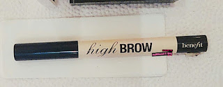 high brow (a brow lifting pencil)