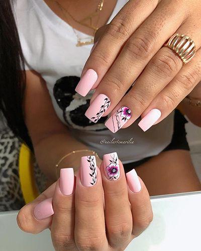 unhas decoradas com esmalte rosa 4