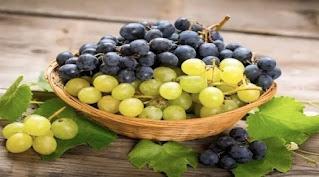 تناول العنب يحمي البشرة