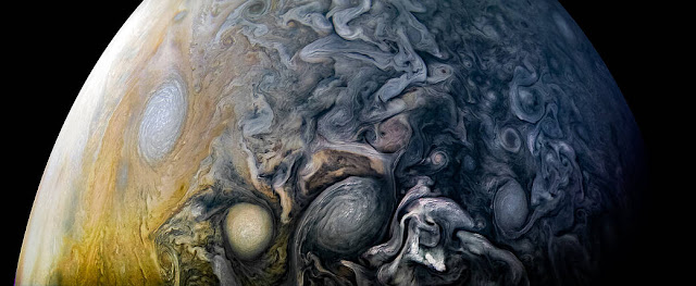 NASA's $1 Billion Spacecraft Has Taken Mind-Bending New Photos Of Jupiter