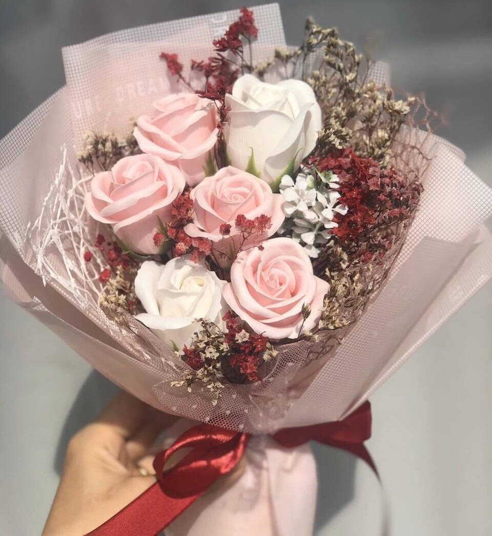 Bó hoa hồng 6 bông