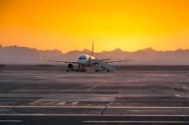 استخراج تصريح العمل من مطار برج العرب