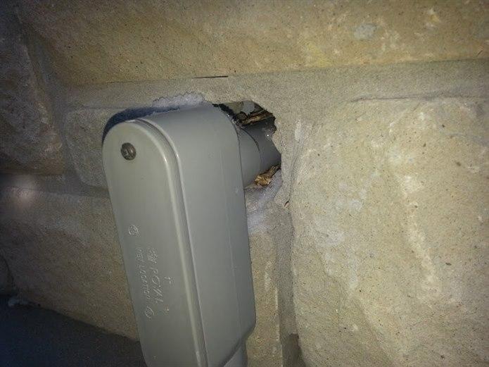 Duvardaki delikleri tamir etmek eve fare girmesini engeller