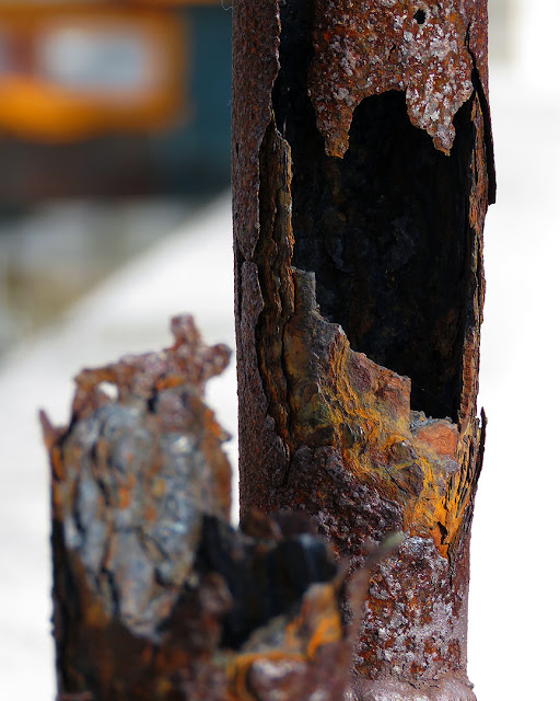 Rusty pipes, Porto Mediceo, Livorno