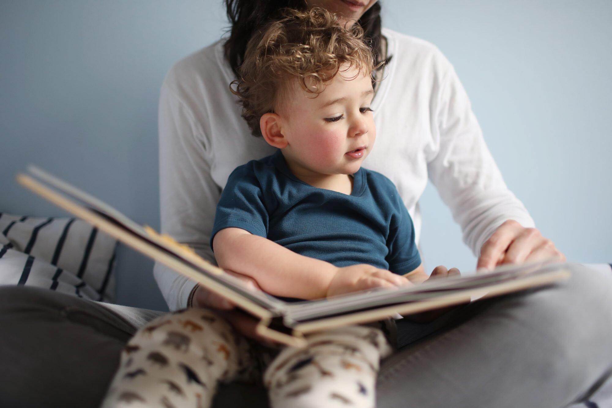 membaca dongen untuk anak