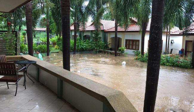 катастрофа потопа для жителей низких домов