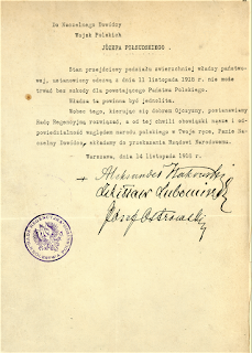 Akt_przekazania_wladzy https://commons.wikimedia.org