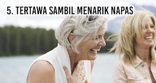 Kepribadian dari orang dengan Tertawa Sambil Menarik Napas