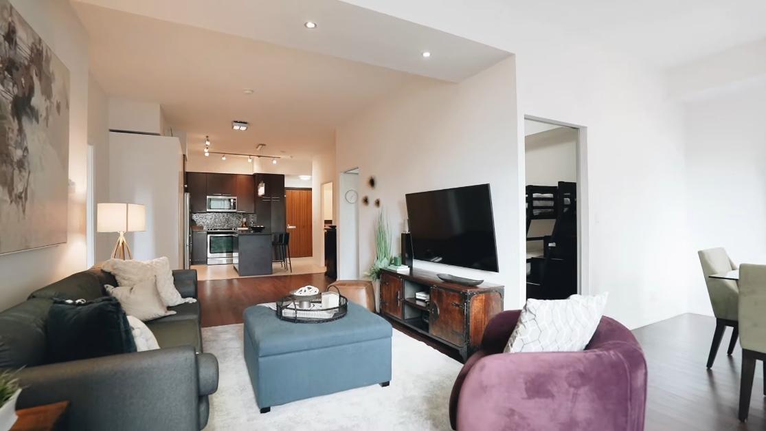 23 Interior Design Photos vs. 500 Sherbourne St #308, Toronto Luxury Condo Tour