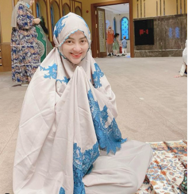 profil biodata Monika Soraya Hariyanto IG Instagram, agama, pekerjaan usaha, suami, umur keluarga adopsi anak kembar.