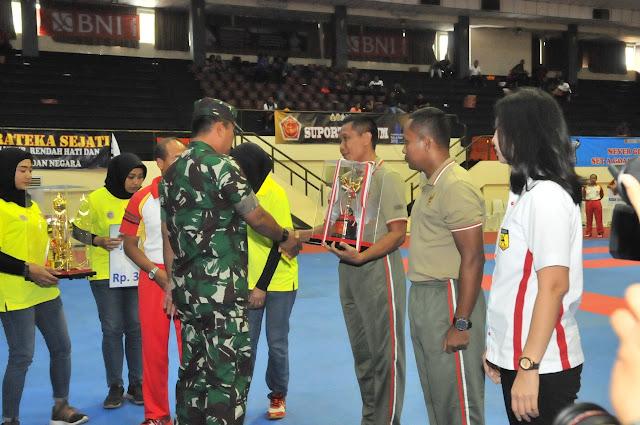 Kasum TNI Tutup Kejurnas Karate Piala Panglima TNI ke-VII Tahun 2019