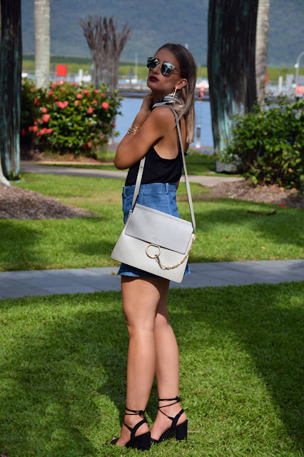 summer outfit idea with chloe faye lookalike minimalist accessories