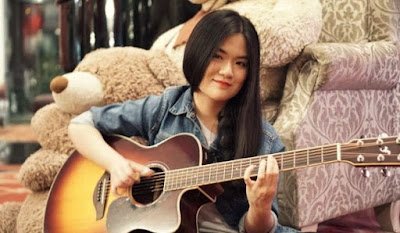Profile and Biography of Josephine Alexandra Fingerstyle