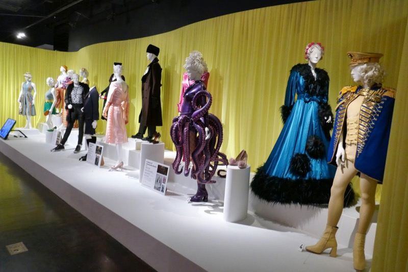 A Series of Unfortunate Events Esmé Squalor costumes