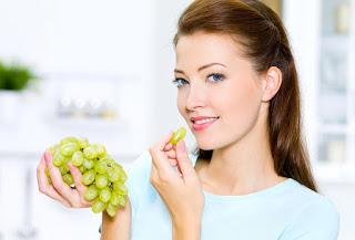 فوائد العنب لبشره صحيه ومشرقه