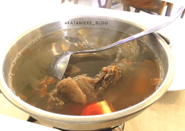Sup buntut Warung Ipang Surabaya