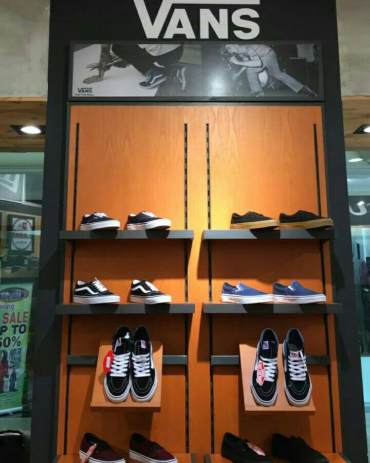 bf8c9bf9902f84  urbansurf  urbansurfsamarinda  readystock  newproduct  vans  shoes   vansshoes  original  eka irs  instagram  ekairsandeverythingelse