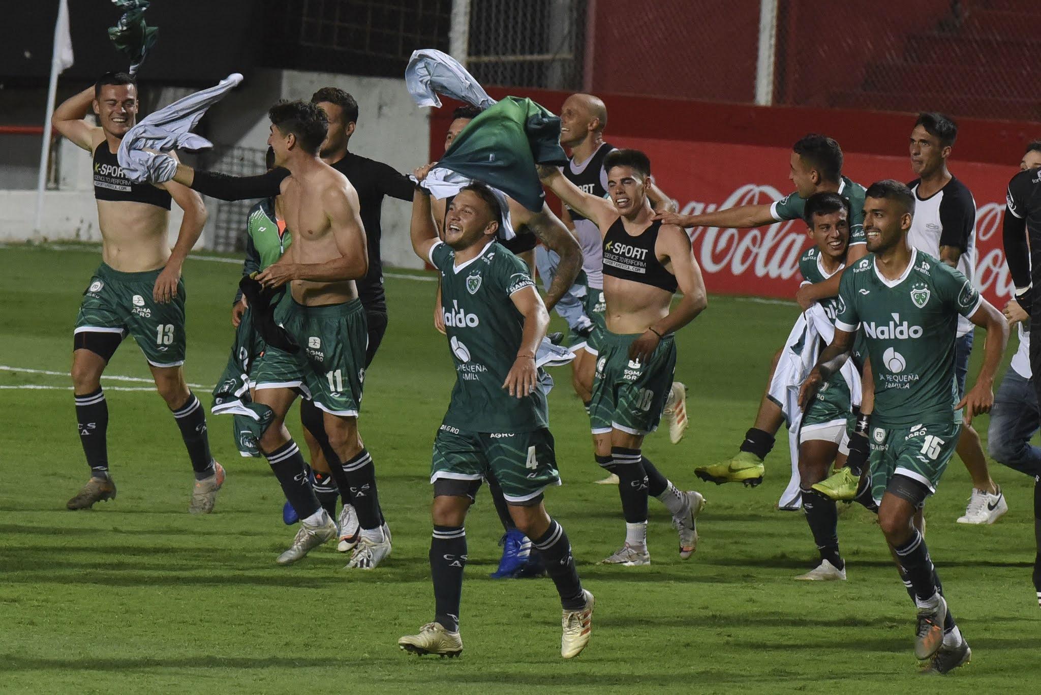 Sarmiento de Junín venció por penales a Estudiantes de Río Cuarto y ascendió a Primera