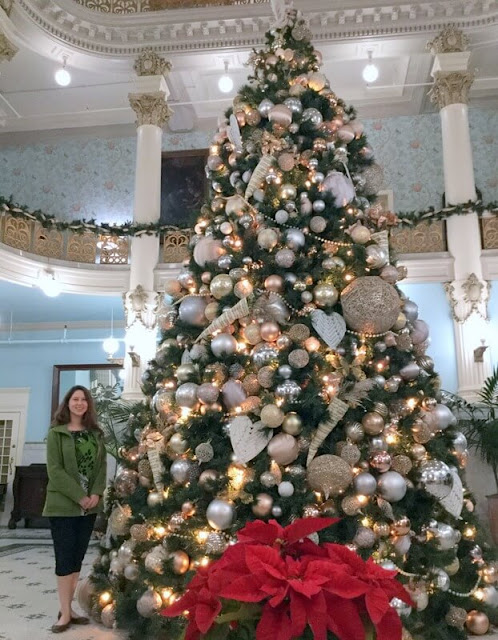 Where to see the best Christmas tree in San Antonio