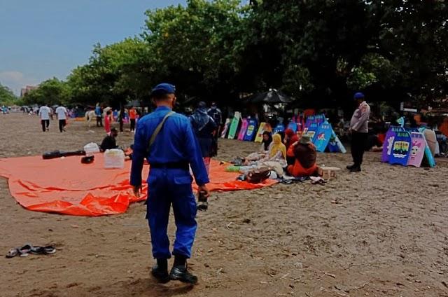 Satuan Pol Air Polres Ciamis, Polda Jabar Rutin Jaga Kawasan Pantai di Pangandaran