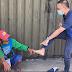 Vlogger, Nag-Alok ng Pera sa Matandang Tindero ng Gulay Kapalit ang Paghalik sa Kanyang Paa