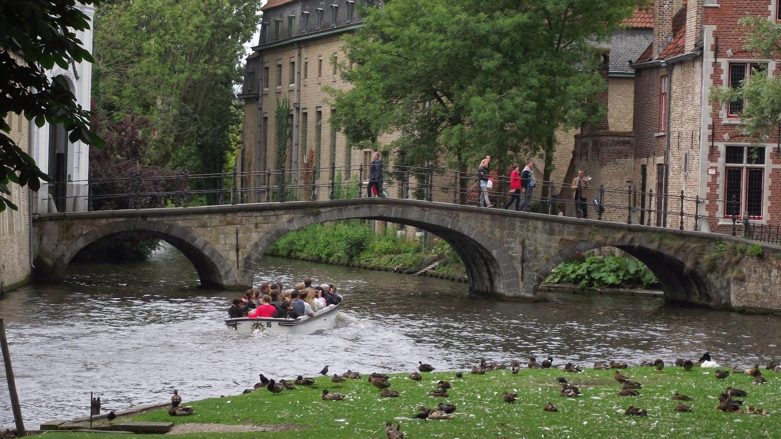 http://perdidos-em-eindhoven.blogspot.nl/2012/05/carcassonne-sul-da-franca.html