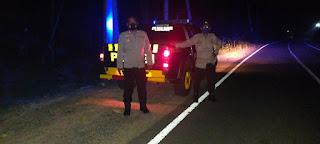 Menemalisir Terjadinya Gangguan Kamtibmas Kanit Spkt Polsek Cendana Polres Enrekang Pimpin Langsung Patroli Blue Light