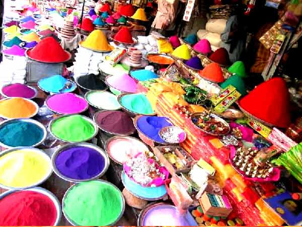 LIST OF INDIAN FESTIVALS: HOLI - The Festival of India