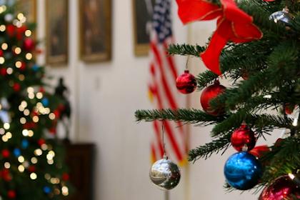 Lage ditt eget juledekorasjoner versus kjøpe dem