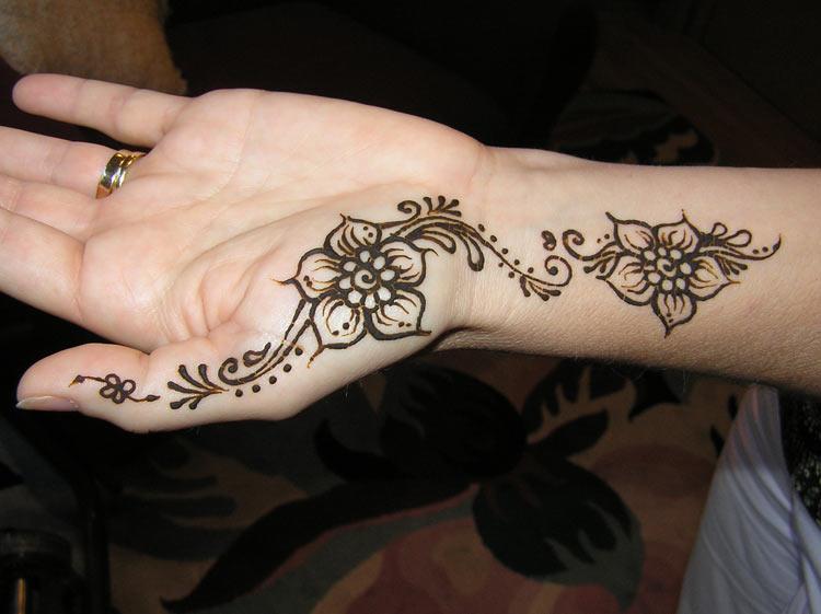 Celebrity Gossip Simple Henna Tattoo Designs