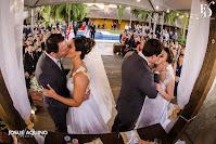 casamento duplo de duas irmãs realizado na fazenda do bosque em guaíba com decoração rústica por fernanda dutra eventos cerimônia ao ar livre na fazenda do bosque em guaíba