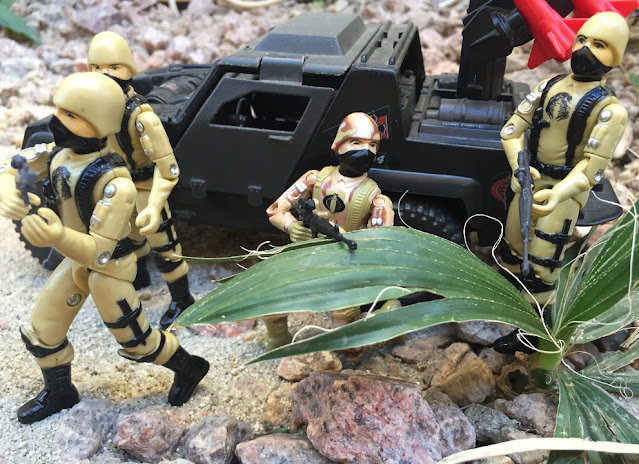 1984 Cobra Stinger, Black Major, Desert Cobra Trooper, Major Bludd