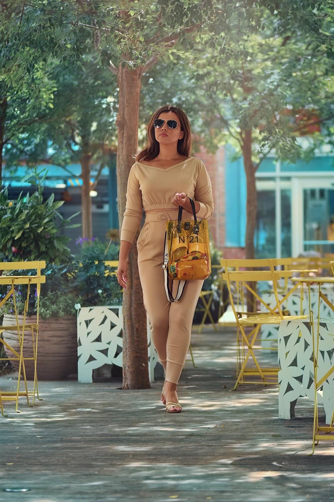 A Touch Of Yellow-mariestilo-dcblogger-luxegal-bolsos de lujo-moda-armandhugon-travelblogger-