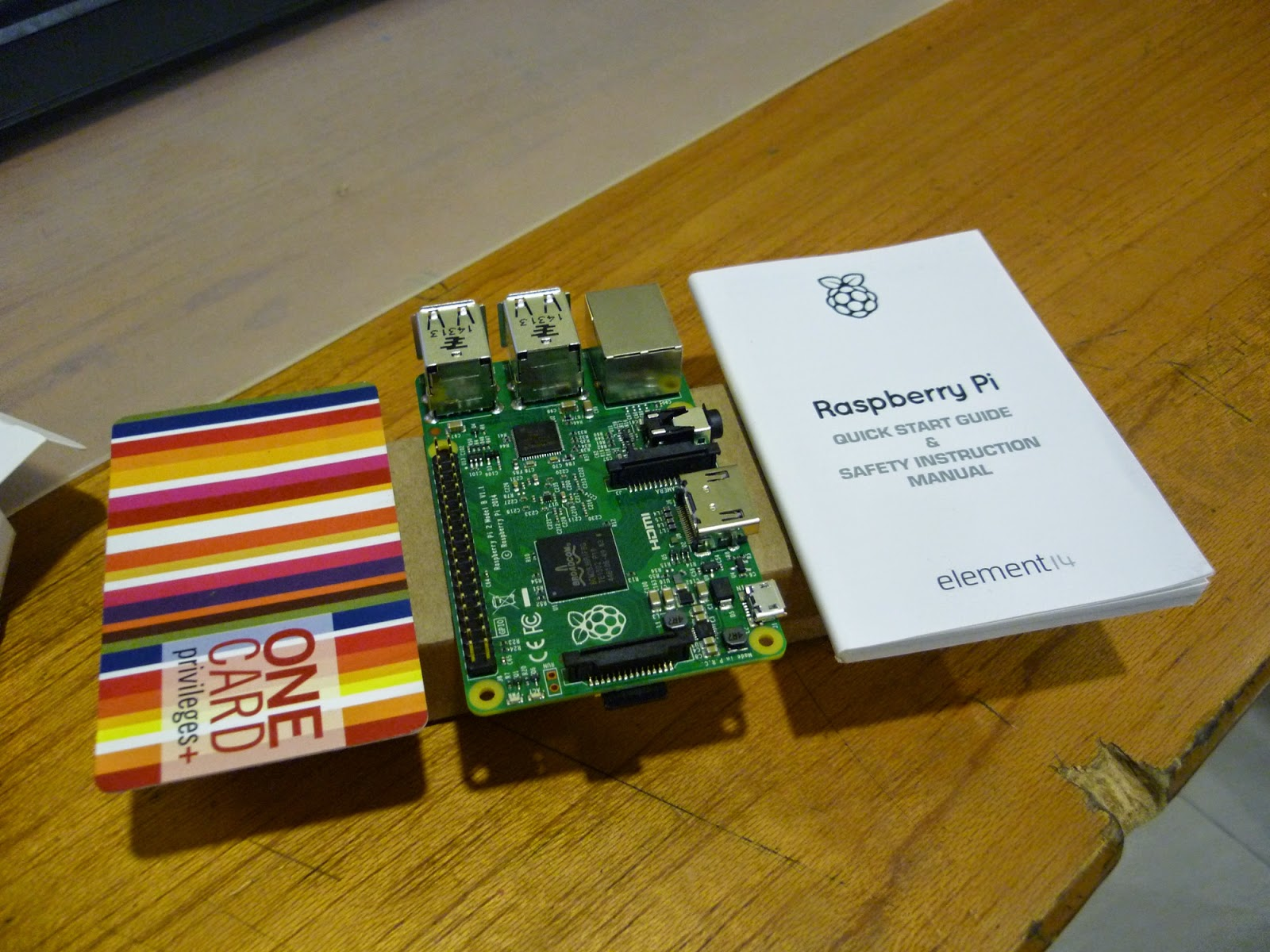 raspbery-pi-2-size-comparison-credit-card-quick-start-guide