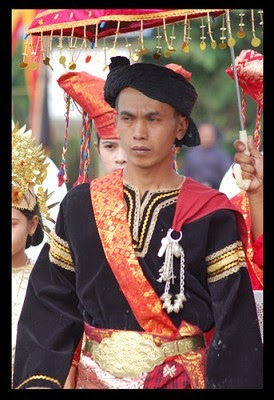 Provinsi Sumatera Barat - Pakaian Adat Tradisional Bundo Kanduang