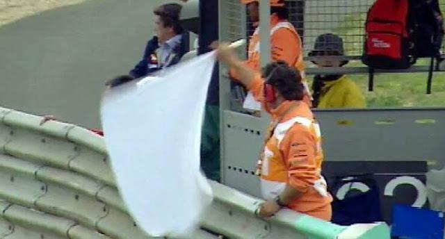 Arti Flag to Flag Di MotoGp, Ini Penjelasannya !!!